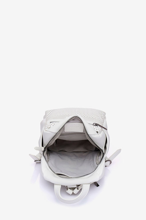 mochila blanca abierta abbacino