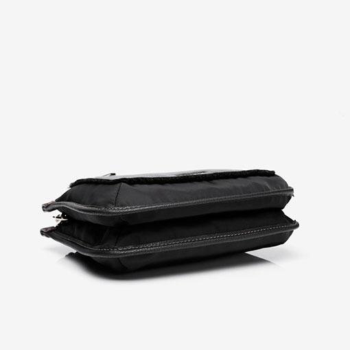 bolso bandolera de la marca abaccino en color negro parte baja