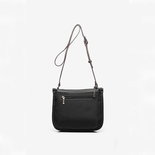 bolso bandolera de la marca abaccino en negro aprte trasera