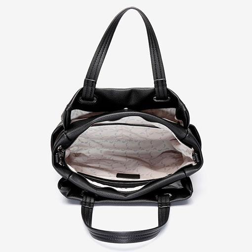 bolso shopping abaccino en color negro por la parte interior, con múltiples bolsillos y espacios de almacenamiento