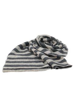 bufanda de rayas horizontales de la marca zarucho en color negro