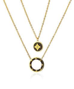collar doble con circulos y detalle de estrella de la marca anartxy