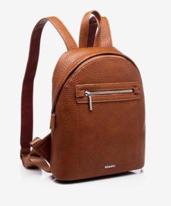 mochila con bolsillo delantero clásica de la marca abaccino en color cuero