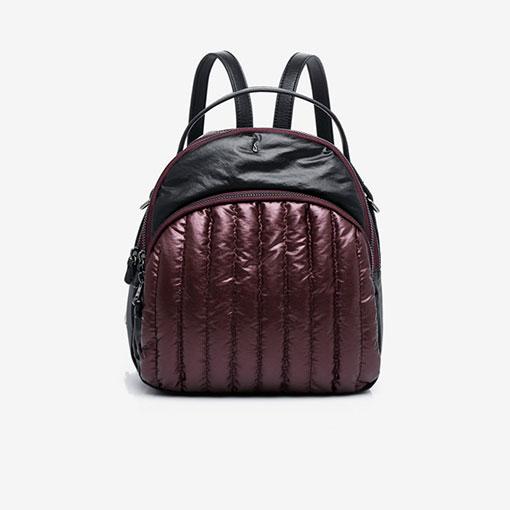 mochila de nylon de la marca abaccino tela acolchada con asa de hombro en granate