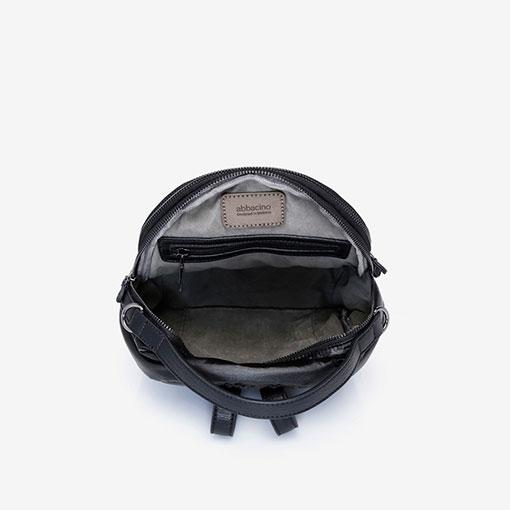 mochila de nylon de la marca abaccino en negro por la parte interior