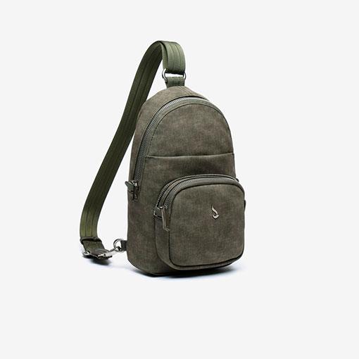 mochila de una sola asa de la marca abaccino con bolsillo por la parte delantera en color verde