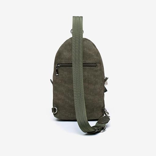 mochila de una sola asa de la marca abaccino en color verde parte trasera