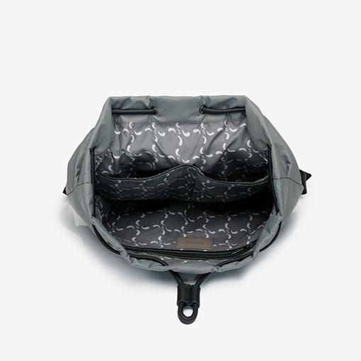 mochila trendy flava abierta en color gris de la marca abbacino