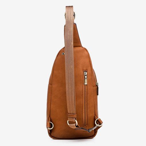 mochila una sola asa en color cuero de la marca abaccino parte trasera