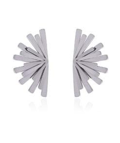 pendientes con forma de abanico pegados a la oreja en color plateado de la marca anartxy
