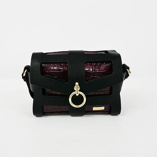 bolso calado con anilla en color burgundy en tamaño pequeño de la marca noco complementos