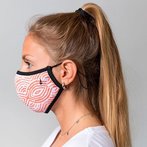 mascarilla homologada de la marca abbacino con estampado de rayas