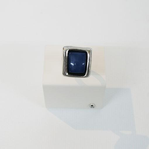 anillo cuadrado azul de la marca uno de 50