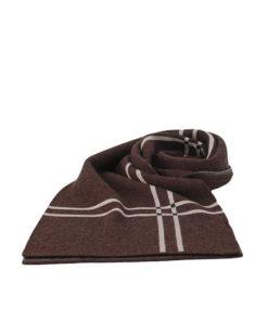 bufanda lisa con tira asimétrica en color marrón de la marca zarucho