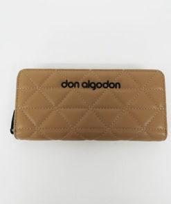 cartera acolchada en color beige de la marca don algodón