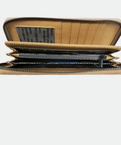 interior de la cartera acolchada en color beige de la marca don algodón