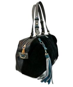 lateral del bolso bowling en color negro de la marca volum