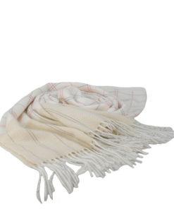 pasmina lisa en color blanco suave estampado de cuadros estilo cenefa de la marca zarucho