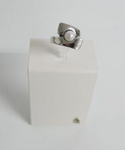 anillo la perla de la marca uno de 50