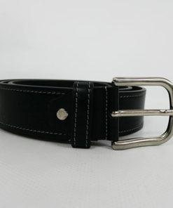 cinturon negro con detalles blancos de piel de la marca privata