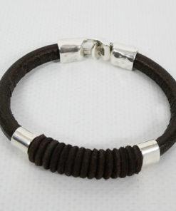 detalle de la pulsera hawaii de la marca uno de 50