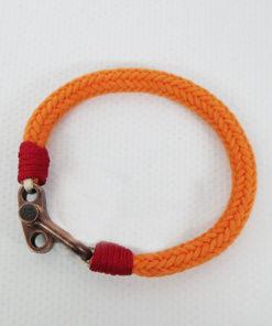 pulsera ancla en color naranja detalle