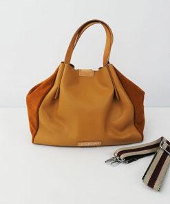 bolso samay en color cuero de la marca ferchi