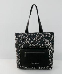 bolso logomania en color negro de la marca caramelo