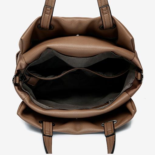 interior del bolso shopper abhimana en color taupe de la marca abbacino