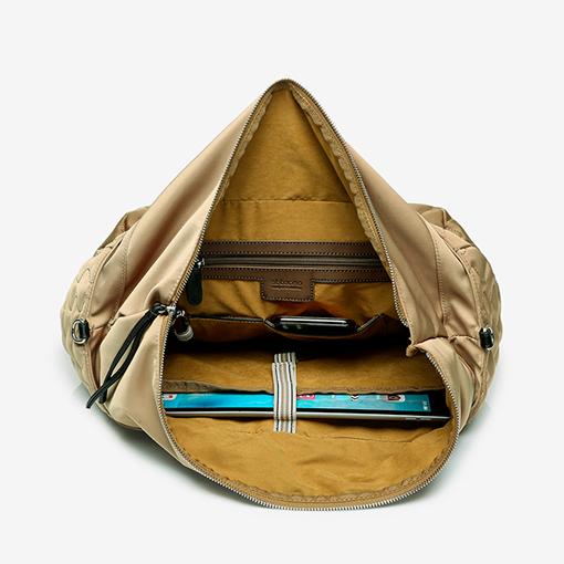 interior del bolso shopper acolchado de la marca abbacino