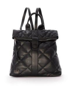 mochila acolchada en color negro de la marca martina k