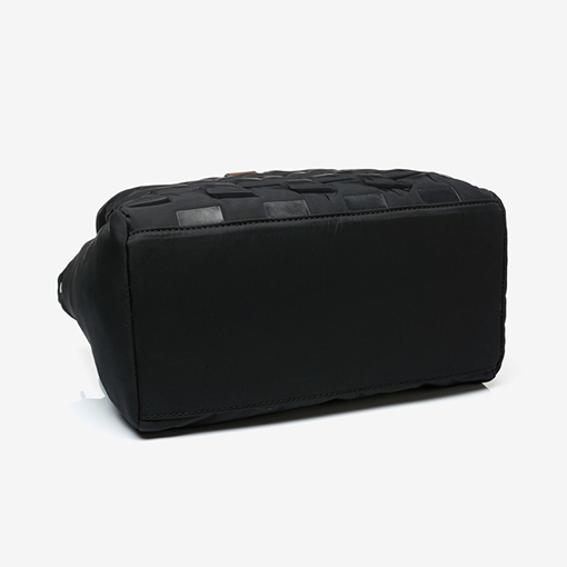suela del bolso shopper abhimana en color negro de la marca abbacino