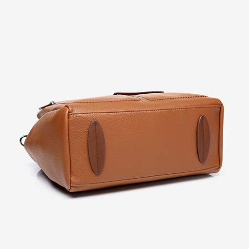 suela del bolso shopper de materiales reciclados de la marca abbacino